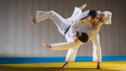 Judo: How to Take a Fall